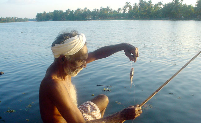 Kerala Homestay Tour - Backwater Fisherman